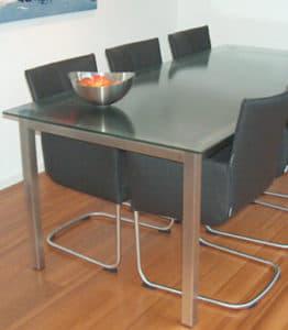 Glazen tafels boer glas - Stoelen voor glazen tafel ...